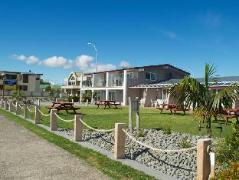 Baileys At The Beach Motel | New Zealand Budget Hotels