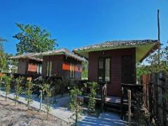PP Red Tuna Hut | Thailand Cheap Hotels