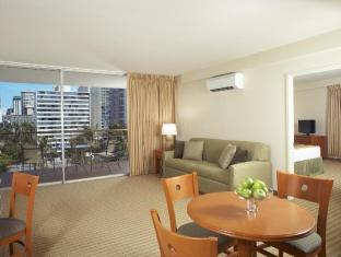 Aqua Waikiki Pearl Hotel Oahu Hawaii - Guest Room