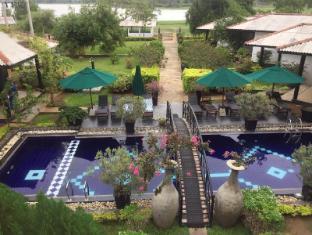 /flower-garden-lake-resort/hotel/yala-lk.html?asq=jGXBHFvRg5Z51Emf%2fbXG4w%3d%3d