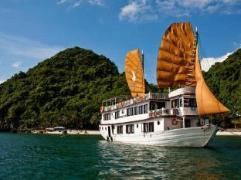 Phoenix Luxury Cruise | Halong Budget Hotels