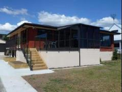 Nihinihi Beach House | New Zealand Budget Hotels