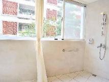 C U Hotel: bathroom