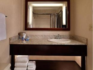 Riviera Hotel Las Vegas (NV) - Bathroom