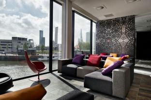 /mainport-design-hotel/hotel/rotterdam-nl.html?asq=jGXBHFvRg5Z51Emf%2fbXG4w%3d%3d