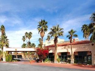 /comfort-inn-palm-springs-downtown/hotel/palm-springs-ca-us.html?asq=jGXBHFvRg5Z51Emf%2fbXG4w%3d%3d