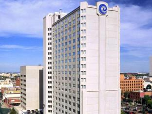 /coast-edmonton-plaza-hotel/hotel/edmonton-ab-ca.html?asq=jGXBHFvRg5Z51Emf%2fbXG4w%3d%3d