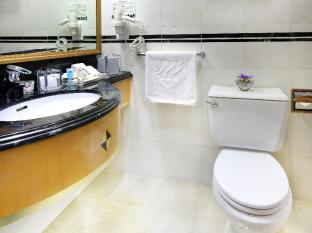 Metropark Hotel Causeway Bay Hong Kong - Bathroom