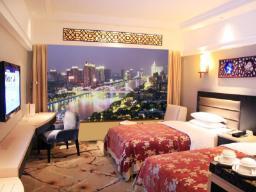 Landmark kambarys su vaizdu į upę