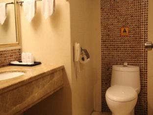 Lido Hotel Guangzhou - Bathroom