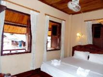 Silikhane Guest House: guest room