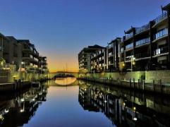 Waters Edge Luxury @ Mandurah - By the Canals Apartments