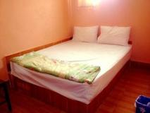 Phanthong Guesthouse: guest room