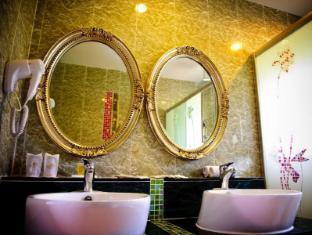 Beringgis Beach Resort & Spa कोटा किनाबालु - बाथरूम