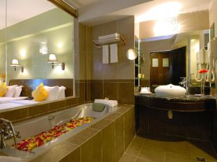 Beringgis Beach Resort & Spa Kota Kinabalu - Bad