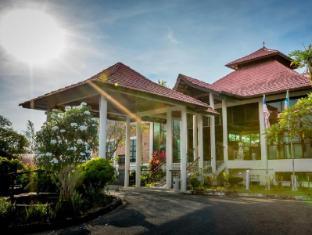 Beringgis Beach Resort & Spa Kota Kinabalu - Inngang