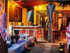 Pink Elephant Apartment & Restaurant | Sri Lanka Budget Hotels
