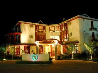 /the-african-tulip-hotel/hotel/arusha-tz.html?asq=5VS4rPxIcpCoBEKGzfKvtBRhyPmehrph%2bgkt1T159fjNrXDlbKdjXCz25qsfVmYT