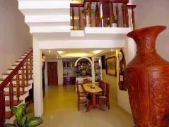 Hoang Thu Homestay   Cheap Hotels in Vietnam