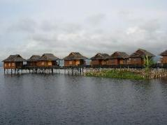 Golden Island Cottages Thale-U Hotel | Cheap Hotels in Inle Lake Myanmar
