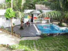 Philippines Hotels | Binucot Beach Resort