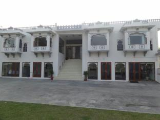 Devendra Garh Palace