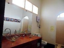 Manichan Guesthouse: bathroom