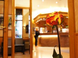 Berlin Plaza Hotel am Kurfurstendamm ברלין - בית המלון מבפנים