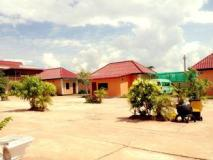 Dan Ngum Guesthouse: exterior