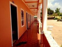 Dan Ngum Guesthouse: interior