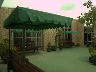 Tab Hotel Surabaya - Balkon/Teras