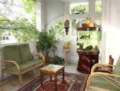 Cedar Court Bed and Breakfast India