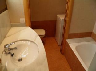 Apartments Sant Jordi Santa Anna Barcelona - Bathroom