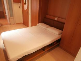 Apartments Sant Jordi Santa Anna Barcelona - Guest Room