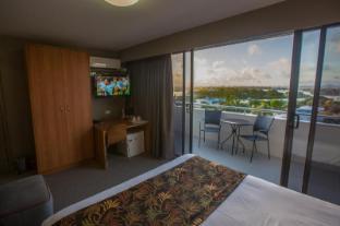 /gladstone-reef-hotel-motel/hotel/gladstone-au.html?asq=jGXBHFvRg5Z51Emf%2fbXG4w%3d%3d