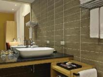 In Young Hotel: bathroom
