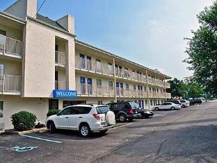 /motel-6-charleston-east-maccorkle-avenue/hotel/charleston-wv-us.html?asq=jGXBHFvRg5Z51Emf%2fbXG4w%3d%3d