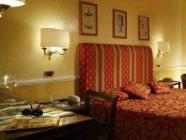Superior-huone parivuoteella tai kahdella vuoteella