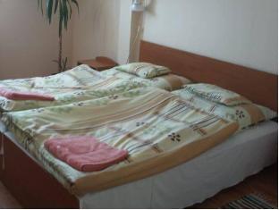 /kavalkad-panzio/hotel/gyongyos-hu.html?asq=jGXBHFvRg5Z51Emf%2fbXG4w%3d%3d