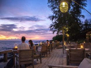 Mango Bay Resort Phu Quoc Island - Wooden Deck