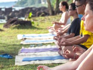 Mango Bay Resort Phu Quoc Island - Yoga Session