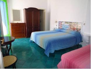/villaverde/hotel/positano-it.html?asq=jGXBHFvRg5Z51Emf%2fbXG4w%3d%3d