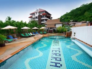 Beach Terrace Hotel Krabi - Cozy swimming pool on the second floor