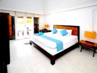 Iyara Beach Hotel & Plaza Samui - Cabana Beach Front
