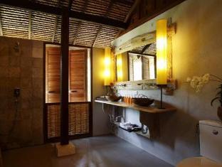 Koyao Island Resort Phuket - Sea Breeze Studio Bathroom