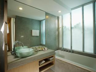 Ramada Phuket Southsea Phuket - Deluxe Club Easy - Bathroom