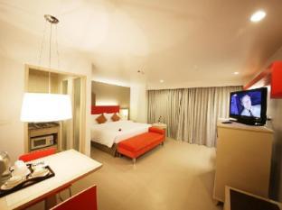 Sunshine Vista Hotel Pattaya - Studio with Kitchenette and Balcony