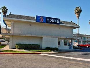 /da-dk/motel-6-pleasanton/hotel/pleasanton-ca-us.html?asq=jGXBHFvRg5Z51Emf%2fbXG4w%3d%3d