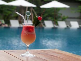 Grand Whiz Hotel Nusa Dua Bali - Poolside Bar