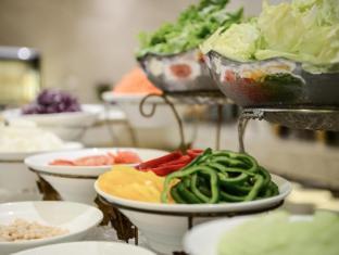 Centre Point Hotel Chidlom Bangkok - American Breakfast Buffet